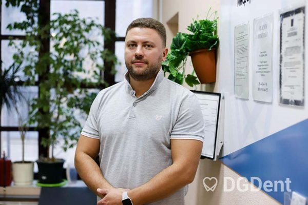 Киселёв Дмитрий Владимирович. Врач имплантолог-протезист